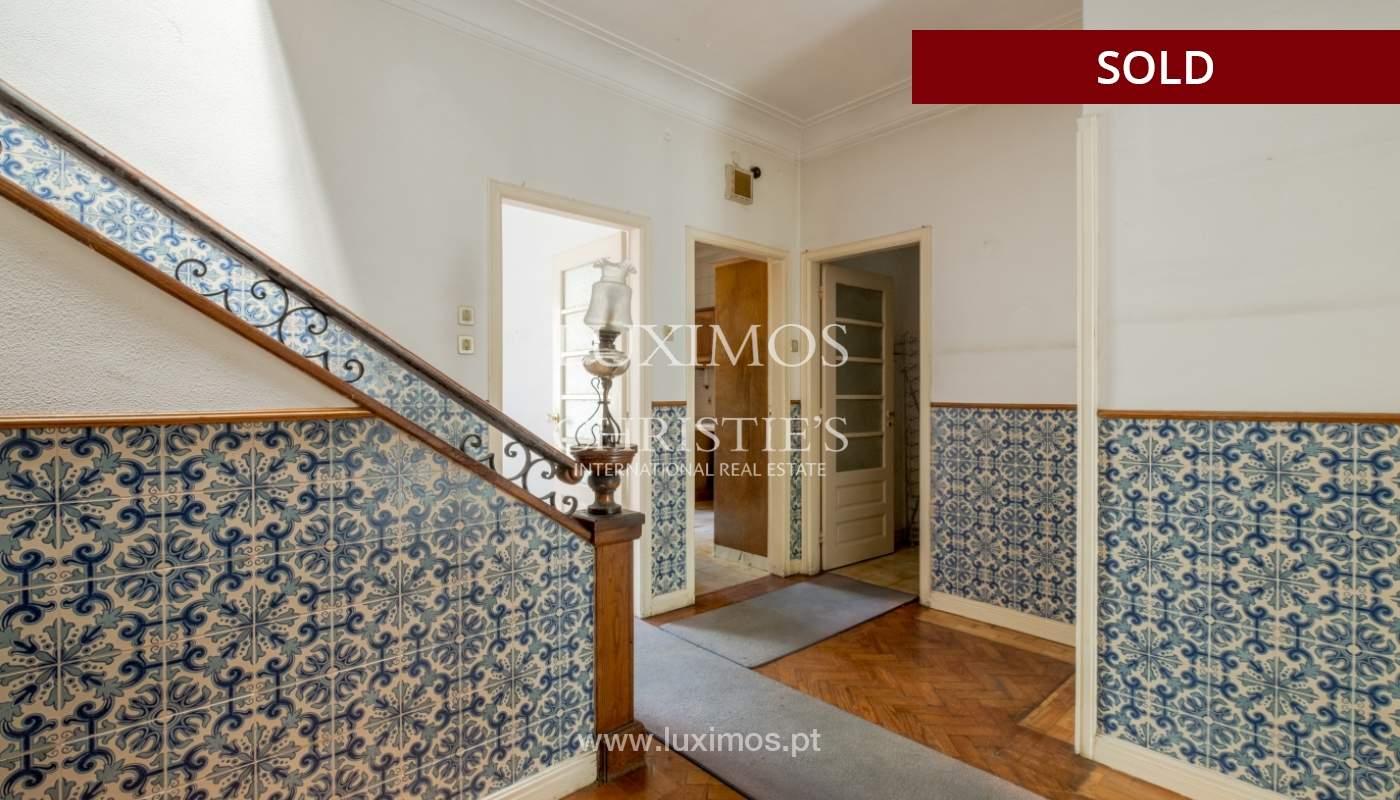 Sale of classic house to remodel, near Boavista, Porto, Portugal_139751