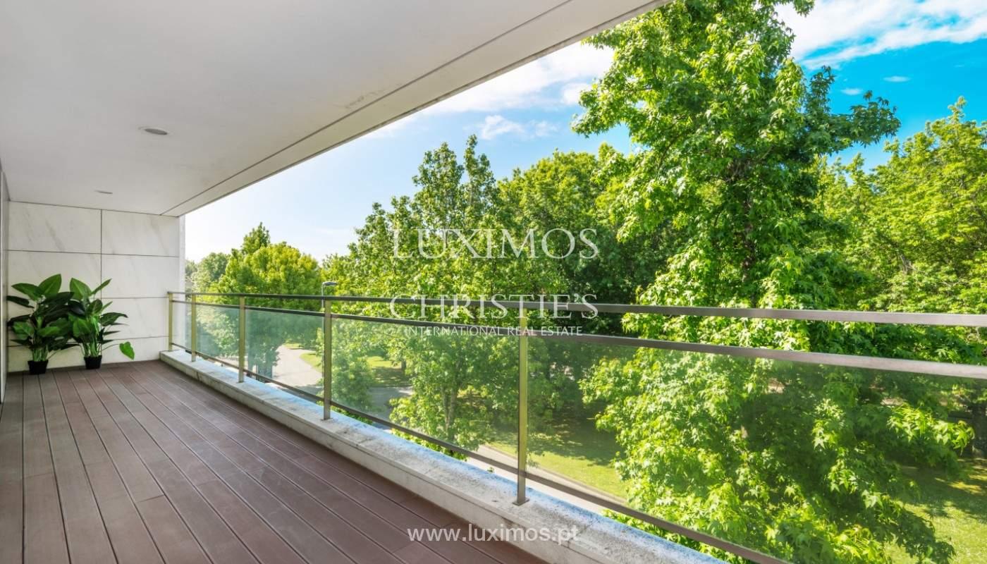Apartment for rent overlooking the river in condominium, in Porto, Portugal_139979