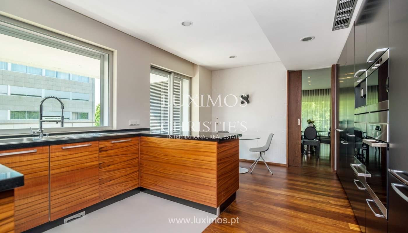 Apartment for rent overlooking the river in condominium, in Porto, Portugal_139981