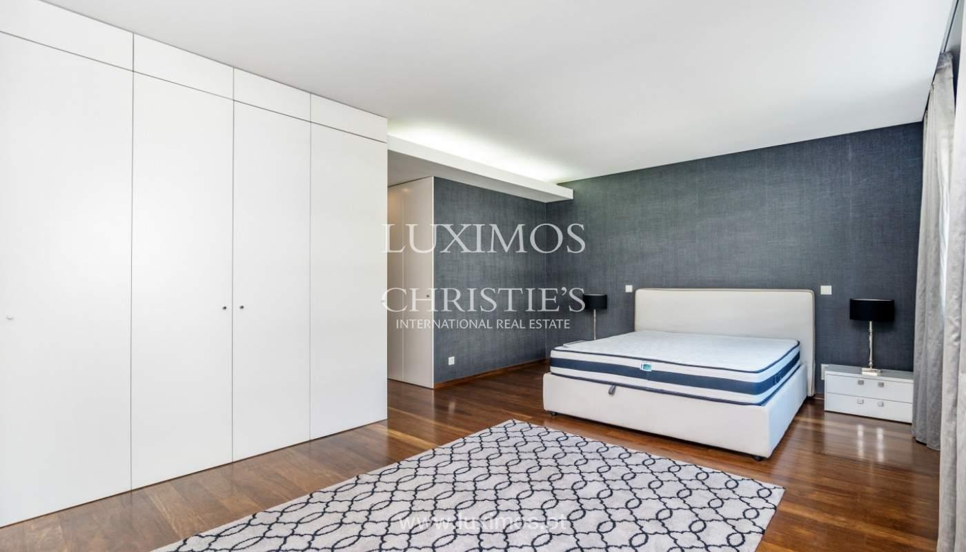 Apartment for rent overlooking the river in condominium, in Porto, Portugal_139985