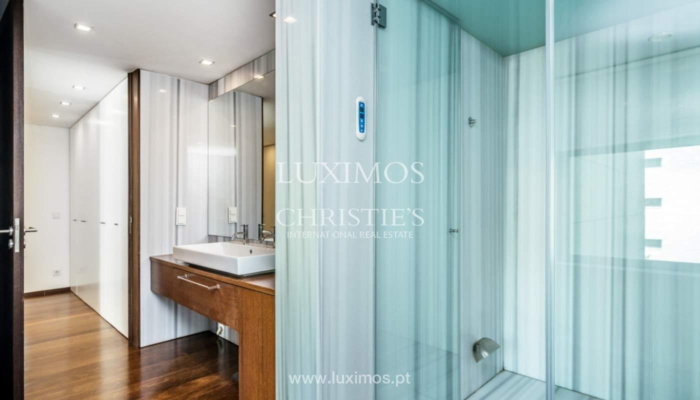 Apartment for rent overlooking the river in condominium, in Porto, Portugal_139986