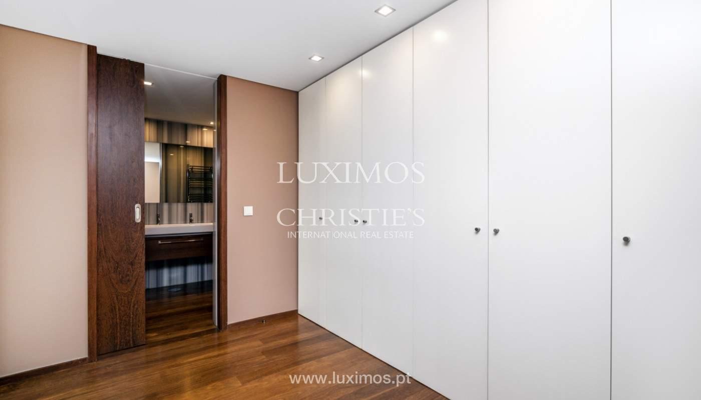 Apartment for rent overlooking the river in condominium, in Porto, Portugal_139990
