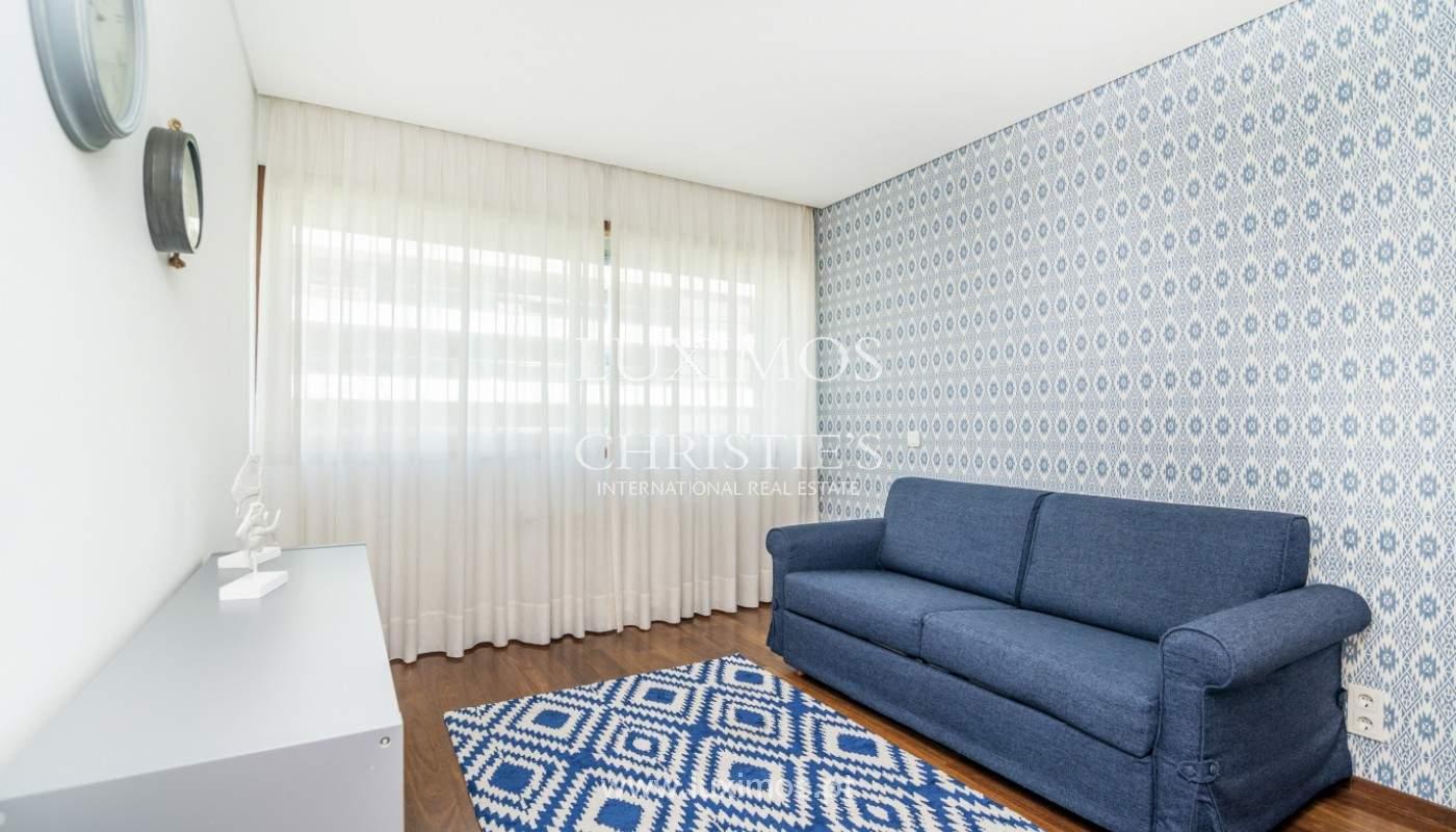 Apartment for rent overlooking the river in condominium, in Porto, Portugal_139991