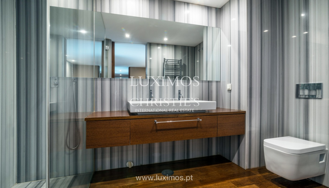 Apartment for rent overlooking the river in condominium, in Porto, Portugal_139992