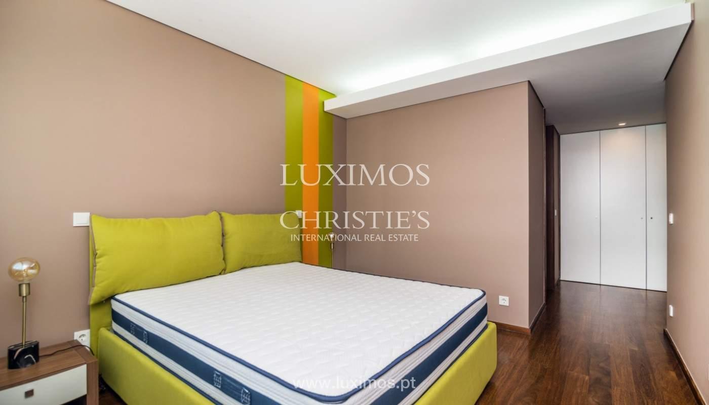 Apartment for rent overlooking the river in condominium, in Porto, Portugal_139993