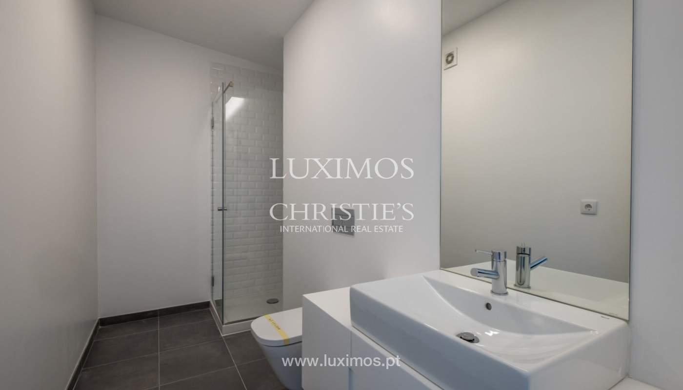 Nuevo apartamento con balcón, en venta, en el centro de Porto, Portugal_140276