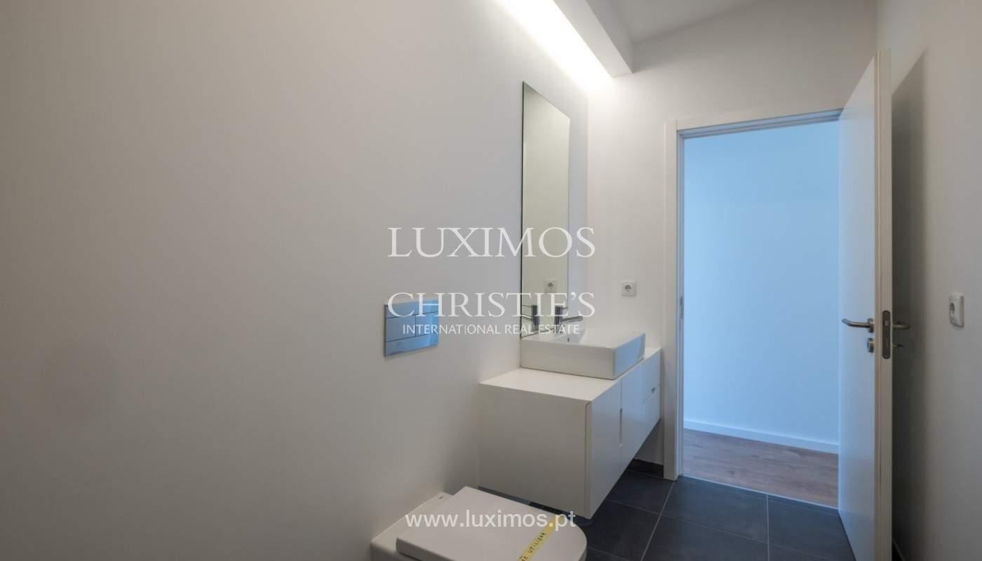 Nuevo apartamento con balcón, en venta, en el centro de Porto, Portugal_140277