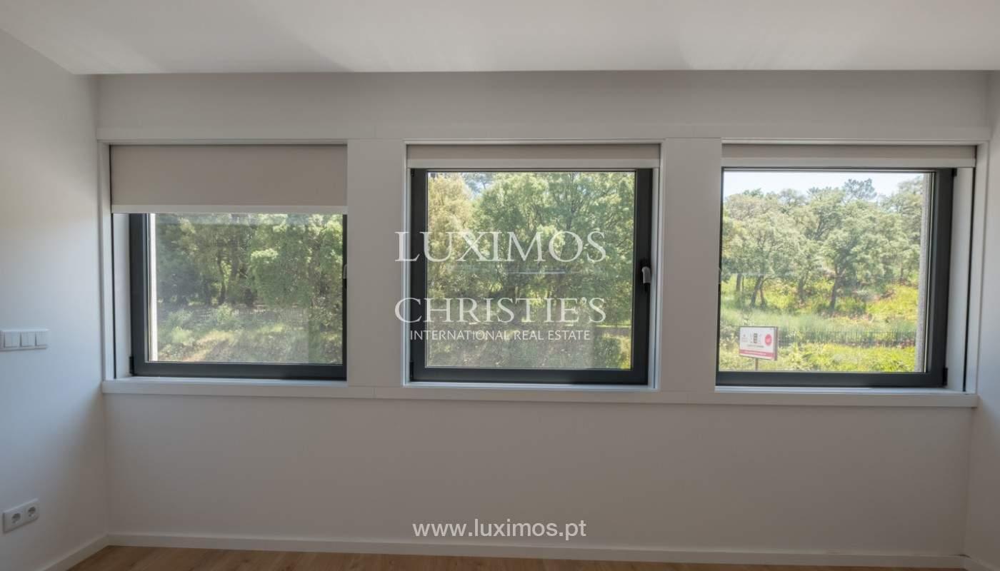 Nuevo apartamento con balcón, en venta, en el centro de Porto, Portugal_140297