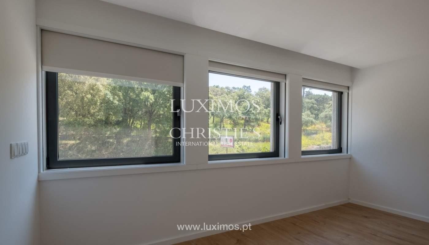 Nuevo apartamento con balcón, en venta, en el centro de Porto, Portugal_140299