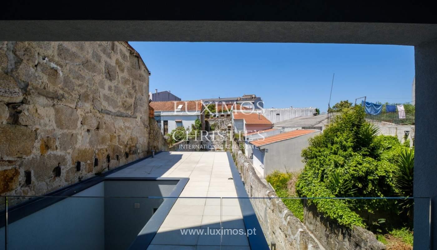 Nuevo apartamento con balcón, en venta, en el centro de Porto, Portugal_140300