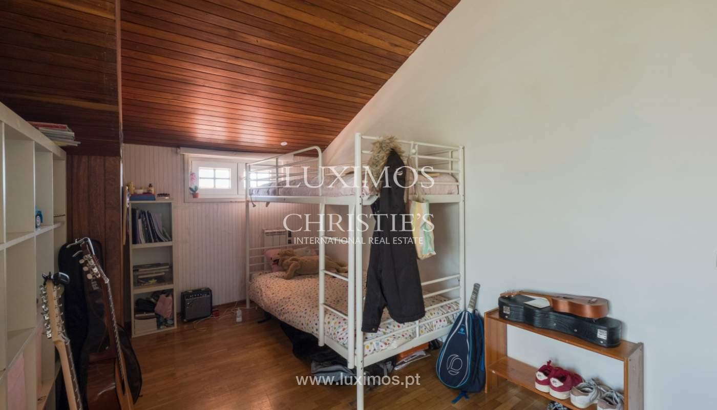 Venta de una villa, con 3 balcones, en Nevogilde, Porto, Portugal_140820