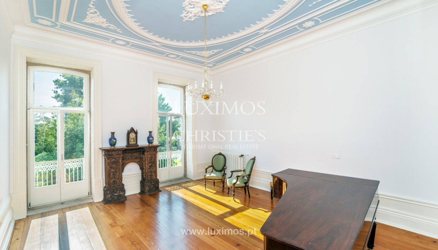 Rehabilitated luxury villa with gardens, centre of Porto, Portugal_141339