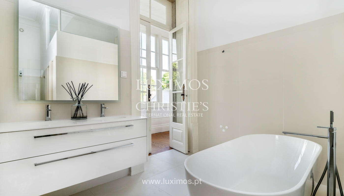 Rehabilitated luxury villa with gardens, centre of Porto, Portugal_141343
