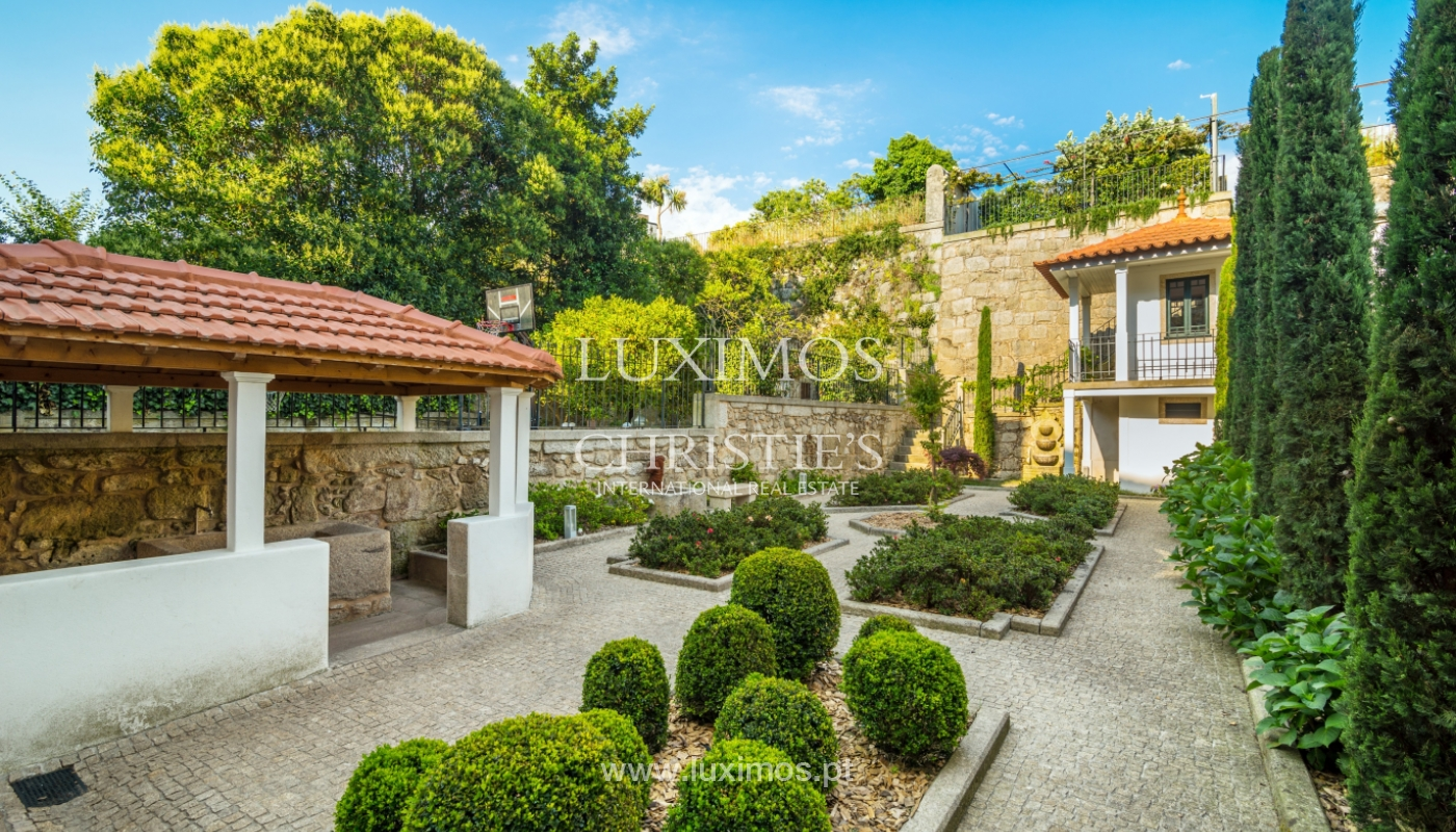 Rehabilitated luxury villa with gardens, centre of Porto, Portugal_141350