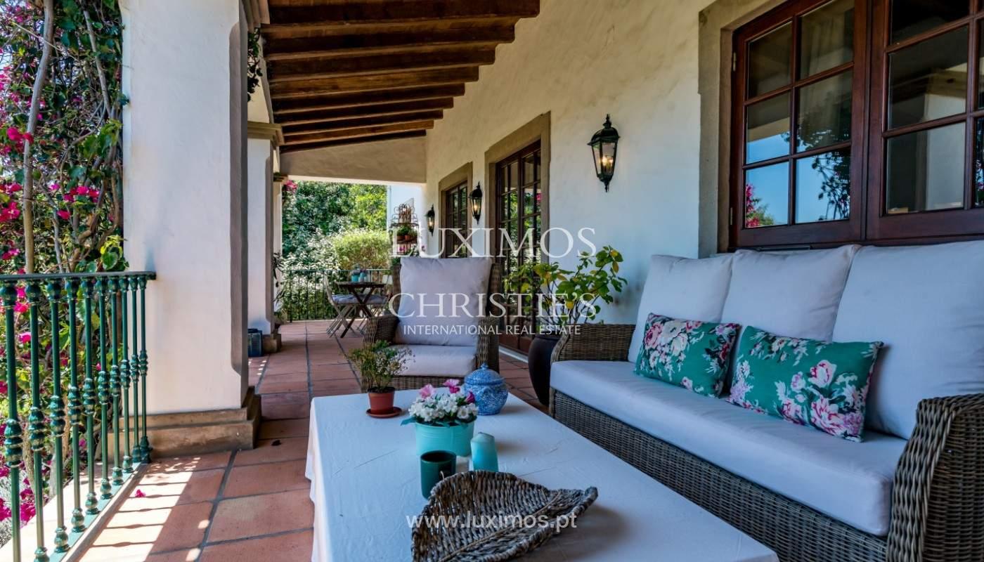 Venda de moradia com piscina, terraço e jardim, em Loulé_141473