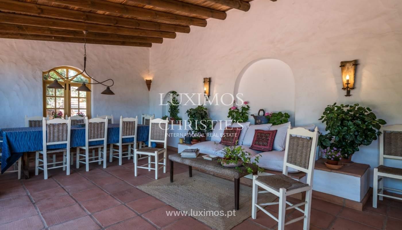 Venda de moradia com piscina, terraço e jardim, em Loulé_141479