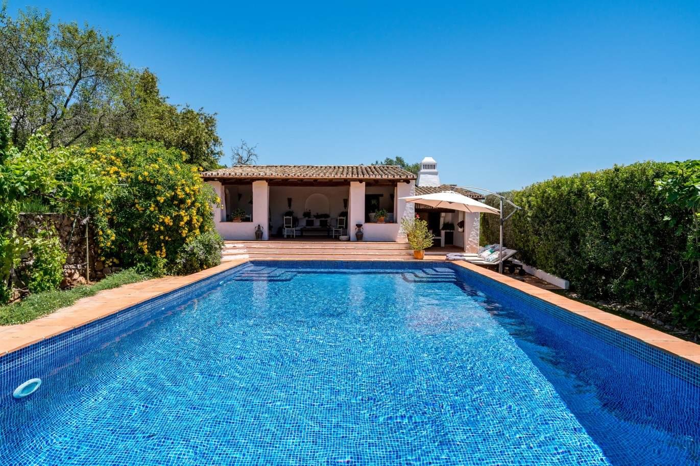 villa-for-sale-with-pool-terrace-garden-in-loule-algarve-portugal