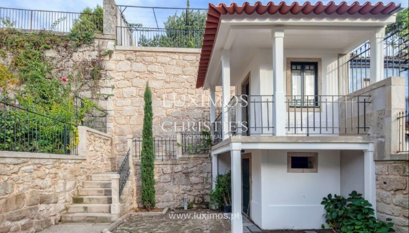 Rehabilitated luxury villa with gardens, centre of Porto, Portugal_141526