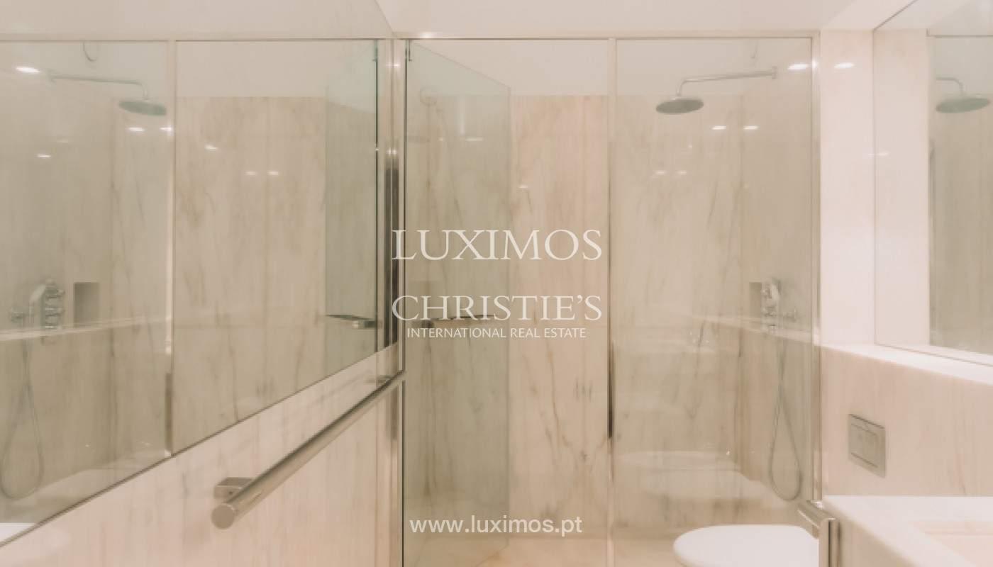 Apartamento novo em empreendimento de luxo na baixa do Porto_143099
