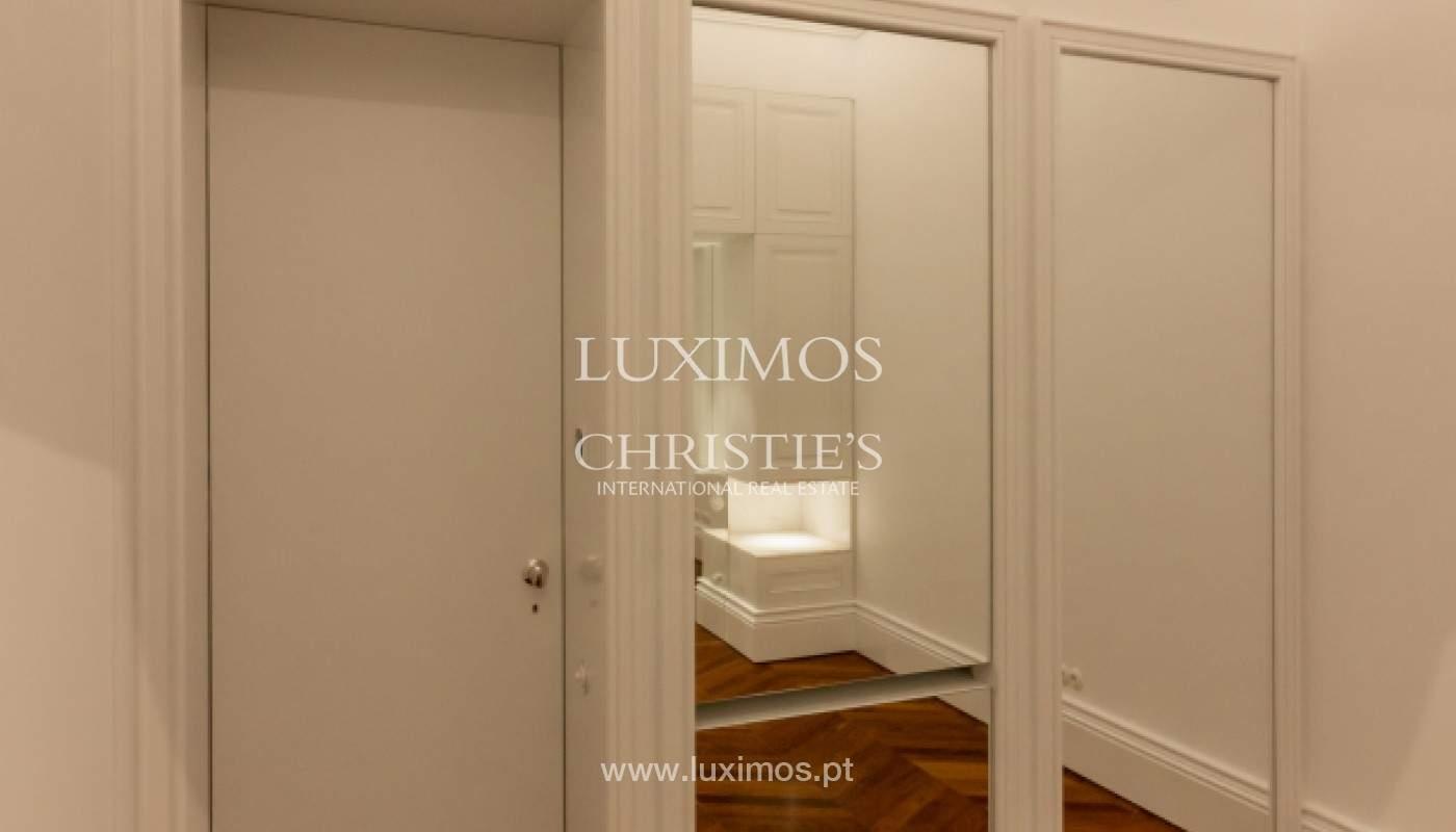 Apartamento novo em empreendimento de luxo na baixa do Porto_143100