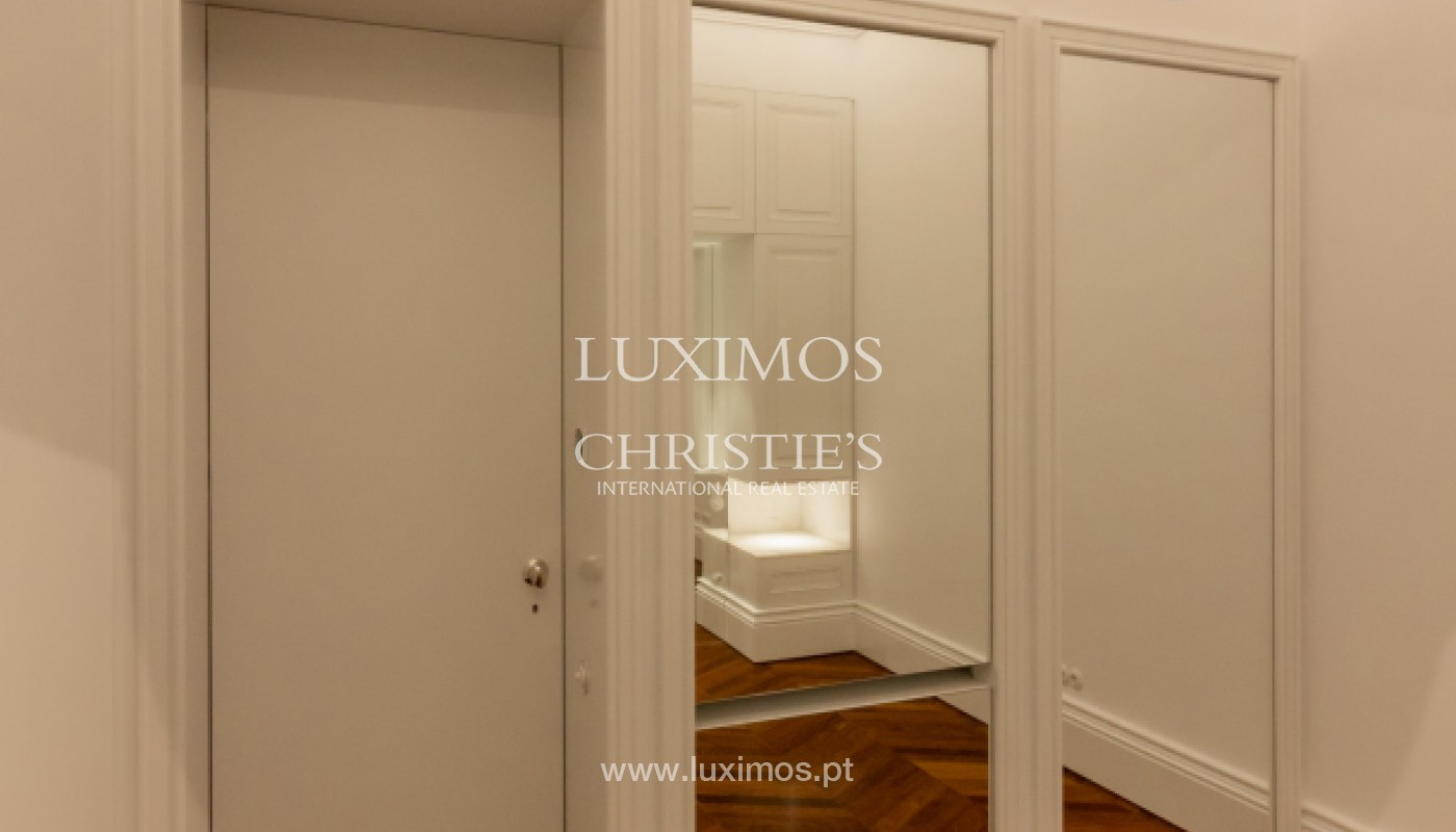 New apartment in luxury development in downtown Porto, Portugal_143100