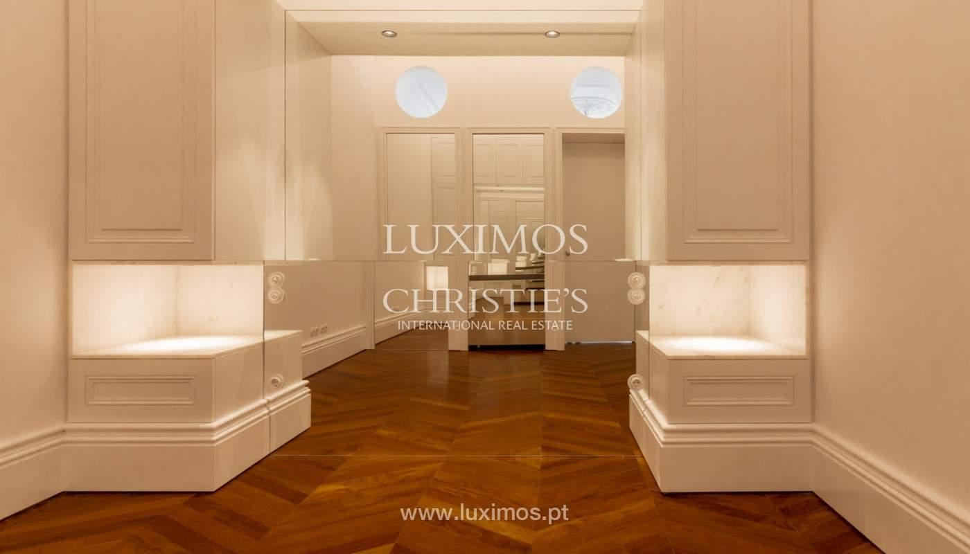 Apartamento novo em empreendimento de luxo na baixa do Porto_143101