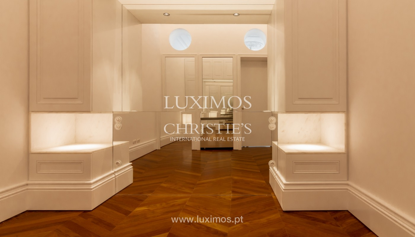 New apartment in luxury development in downtown Porto, Portugal_143101