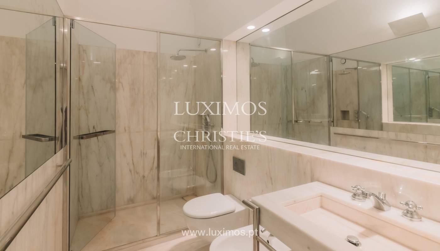 Apartamento novo em empreendimento de luxo na baixa do Porto_143102
