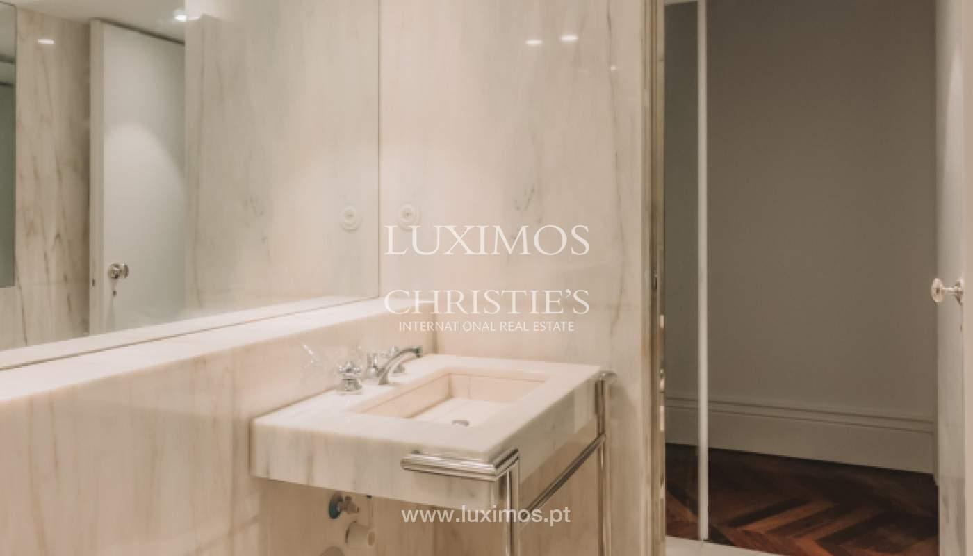 Apartamento novo em empreendimento de luxo na baixa do Porto_143105