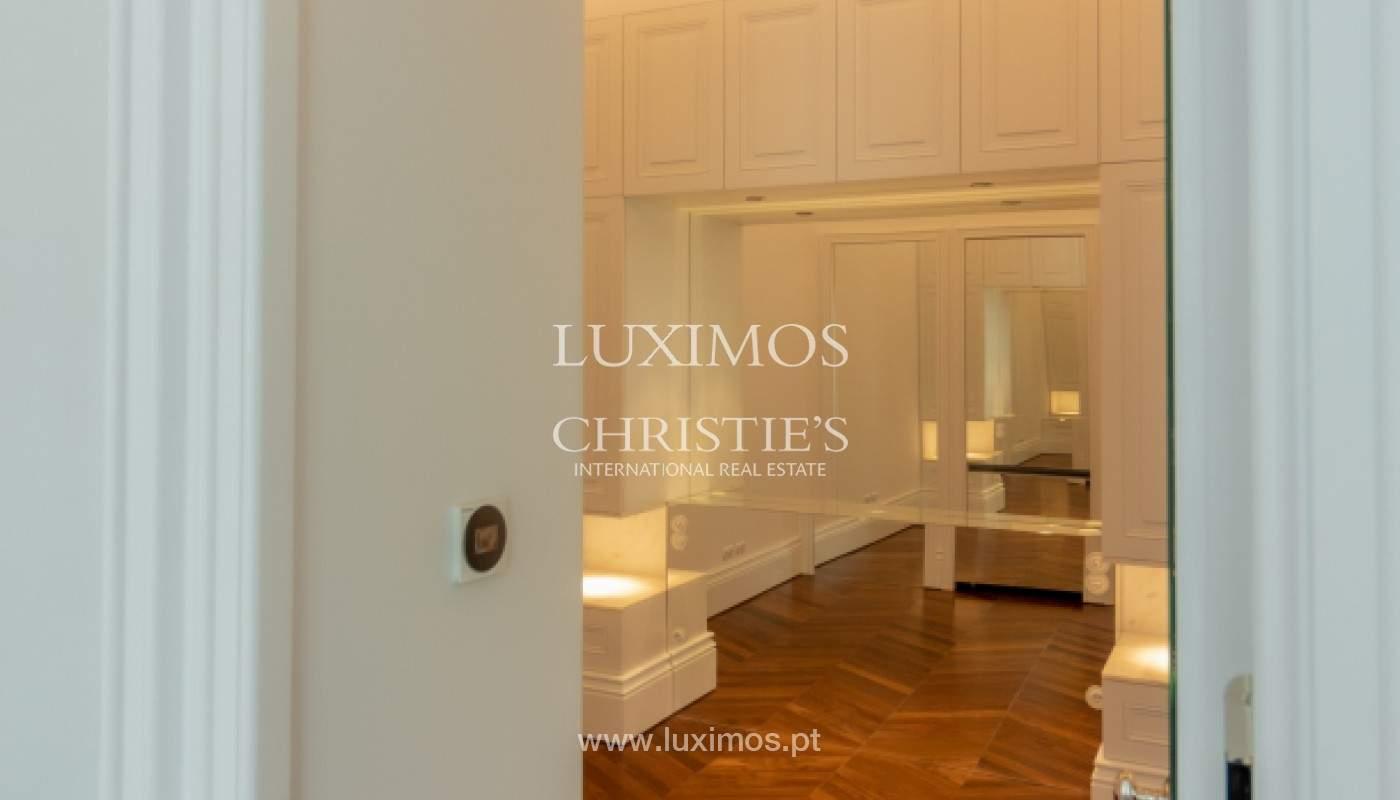 Apartamento novo em empreendimento de luxo na baixa do Porto_143107