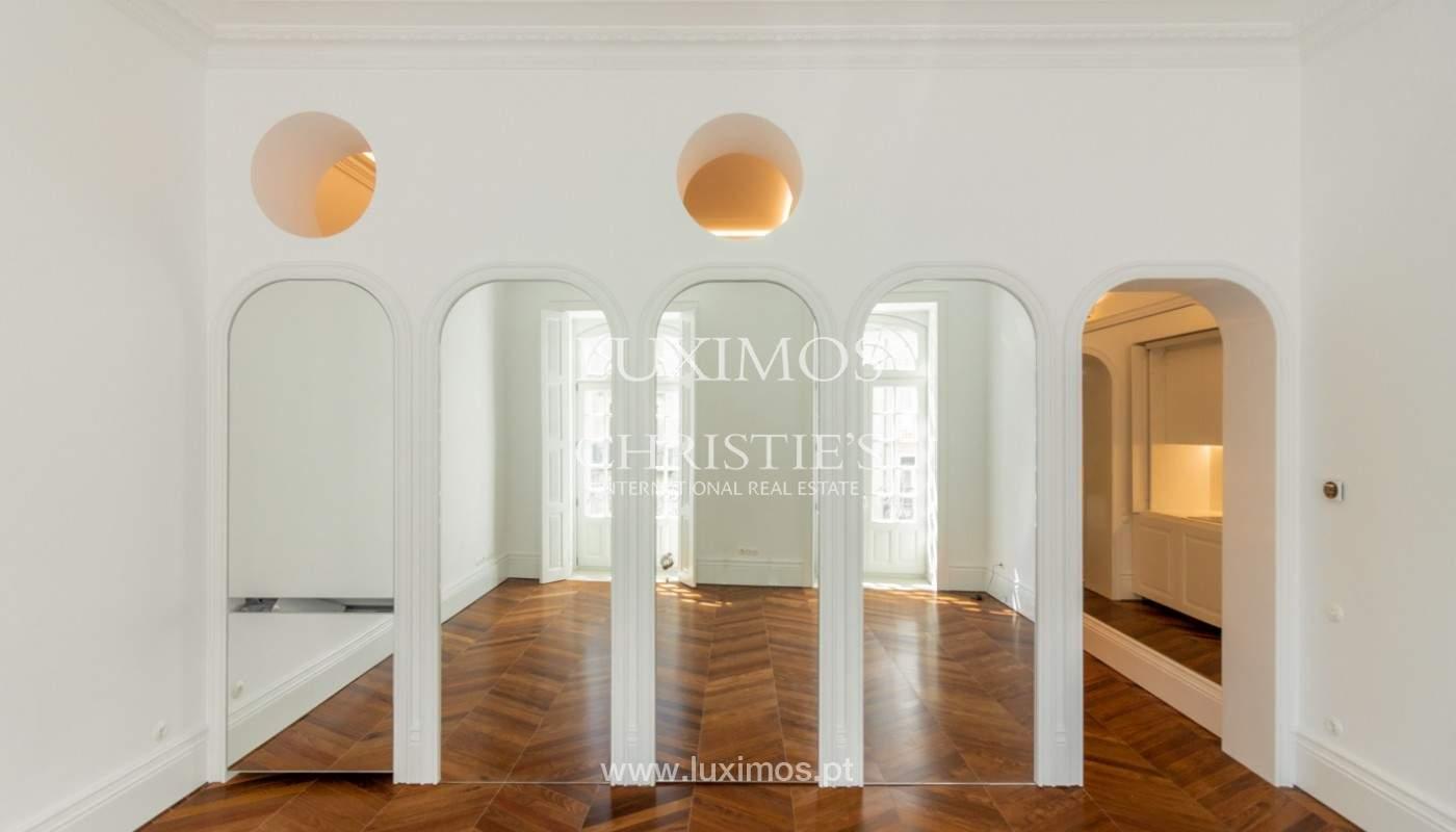 Apartamento novo em empreendimento de luxo na baixa do Porto_143108