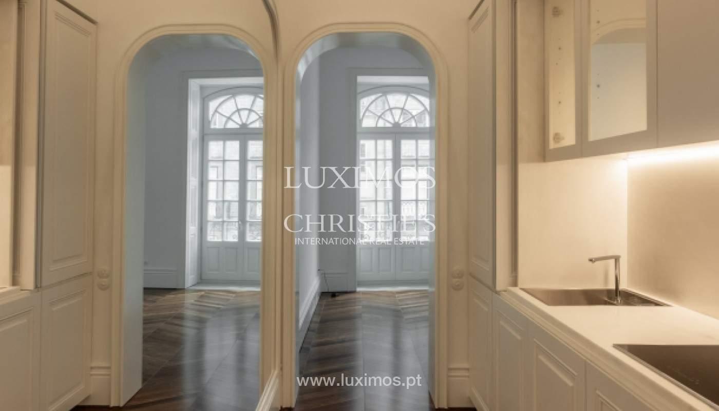 Apartamento novo em empreendimento de luxo na baixa do Porto_143109