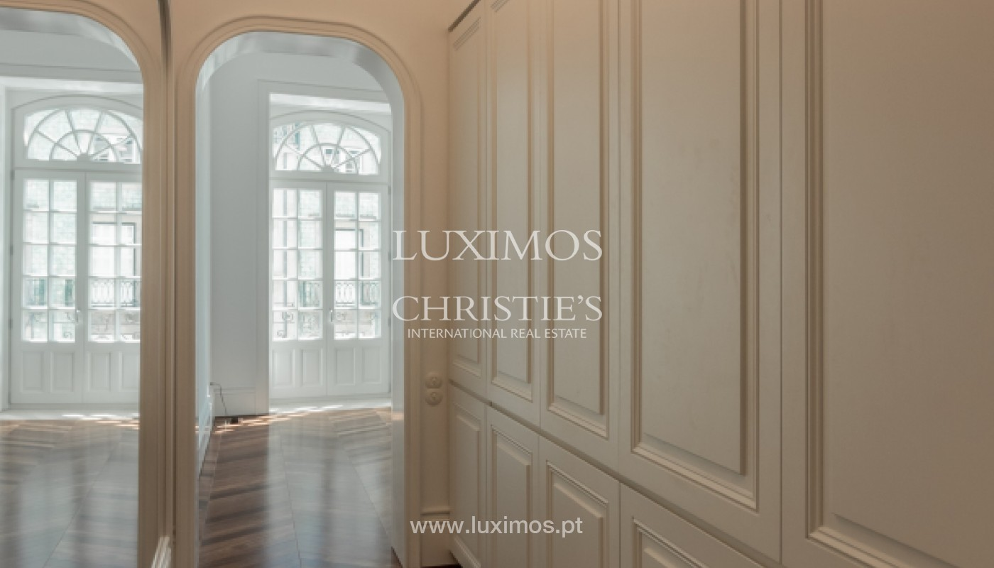 New apartment in luxury development in downtown Porto, Portugal_143122