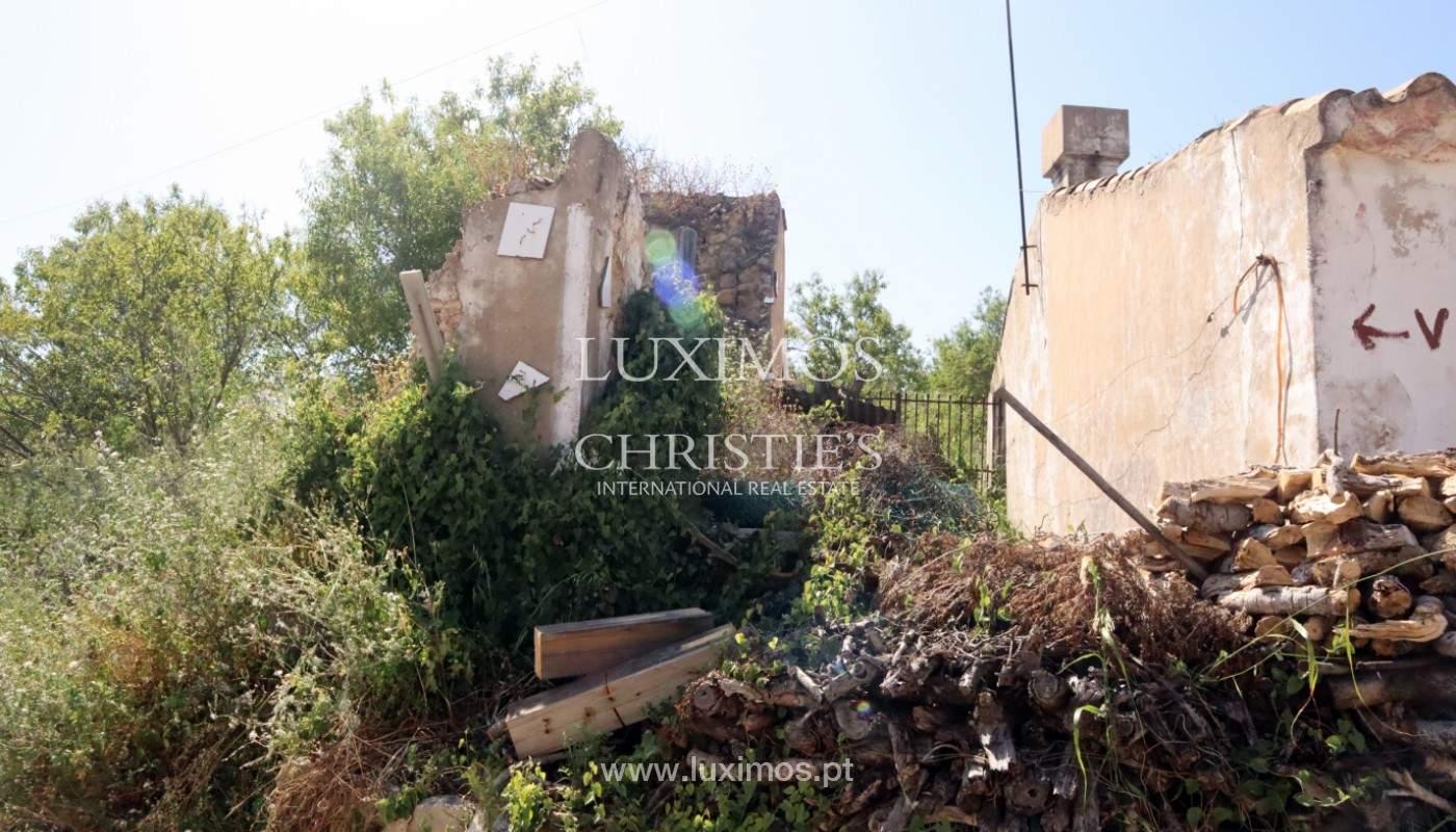 Land, zu verkaufen, mit Ruine zum Wiederaufbau und Meerblick, Loulé_143364