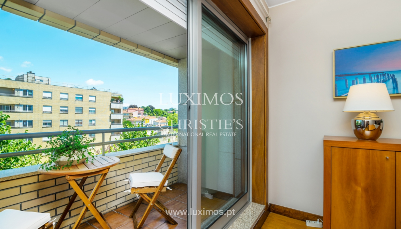 Apartment with balcony, for sale, in Lordelo do Ouro, Porto, Portugal_143447