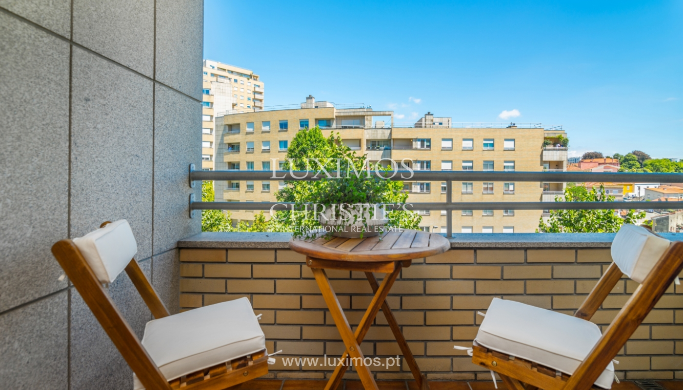 Apartment with balcony, for sale, in Lordelo do Ouro, Porto, Portugal_143459