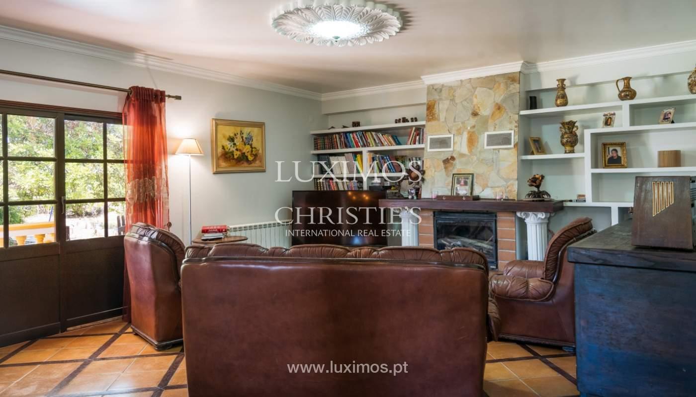 Moradia V4 com terreno e piscina interior, para venda, em Albufeira_143755