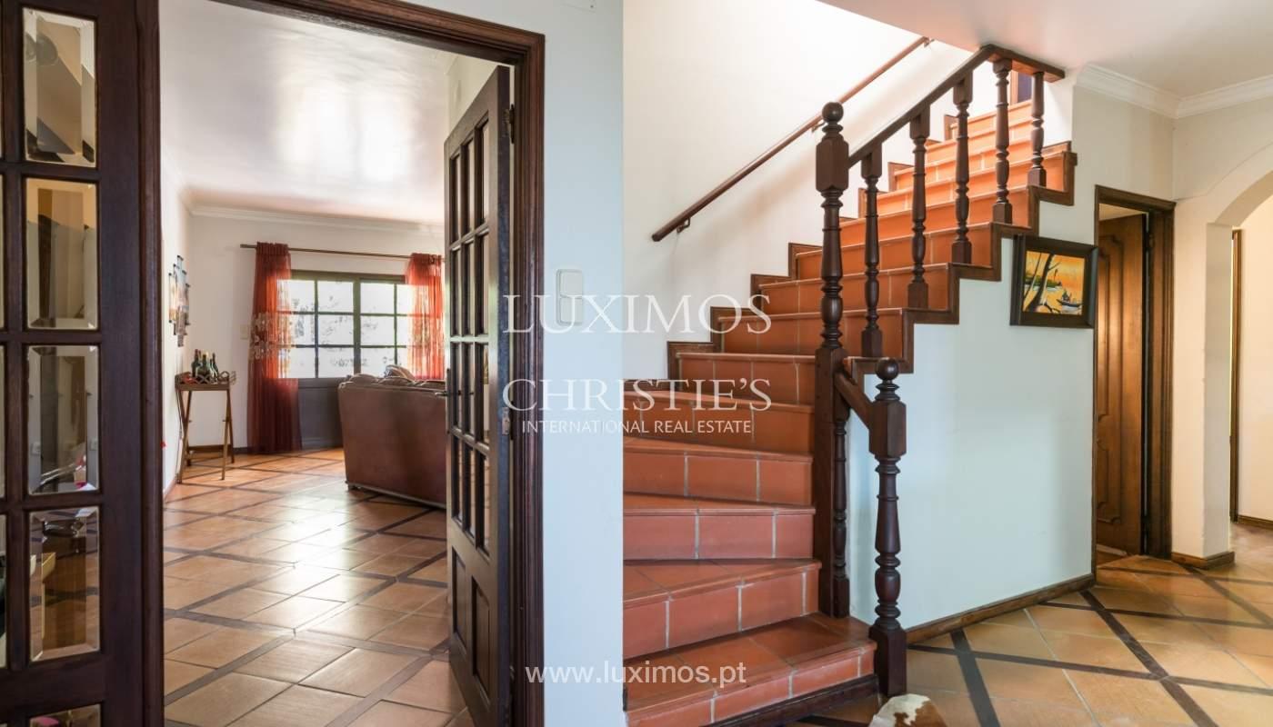 Moradia V4 com terreno e piscina interior, para venda, em Albufeira_143762