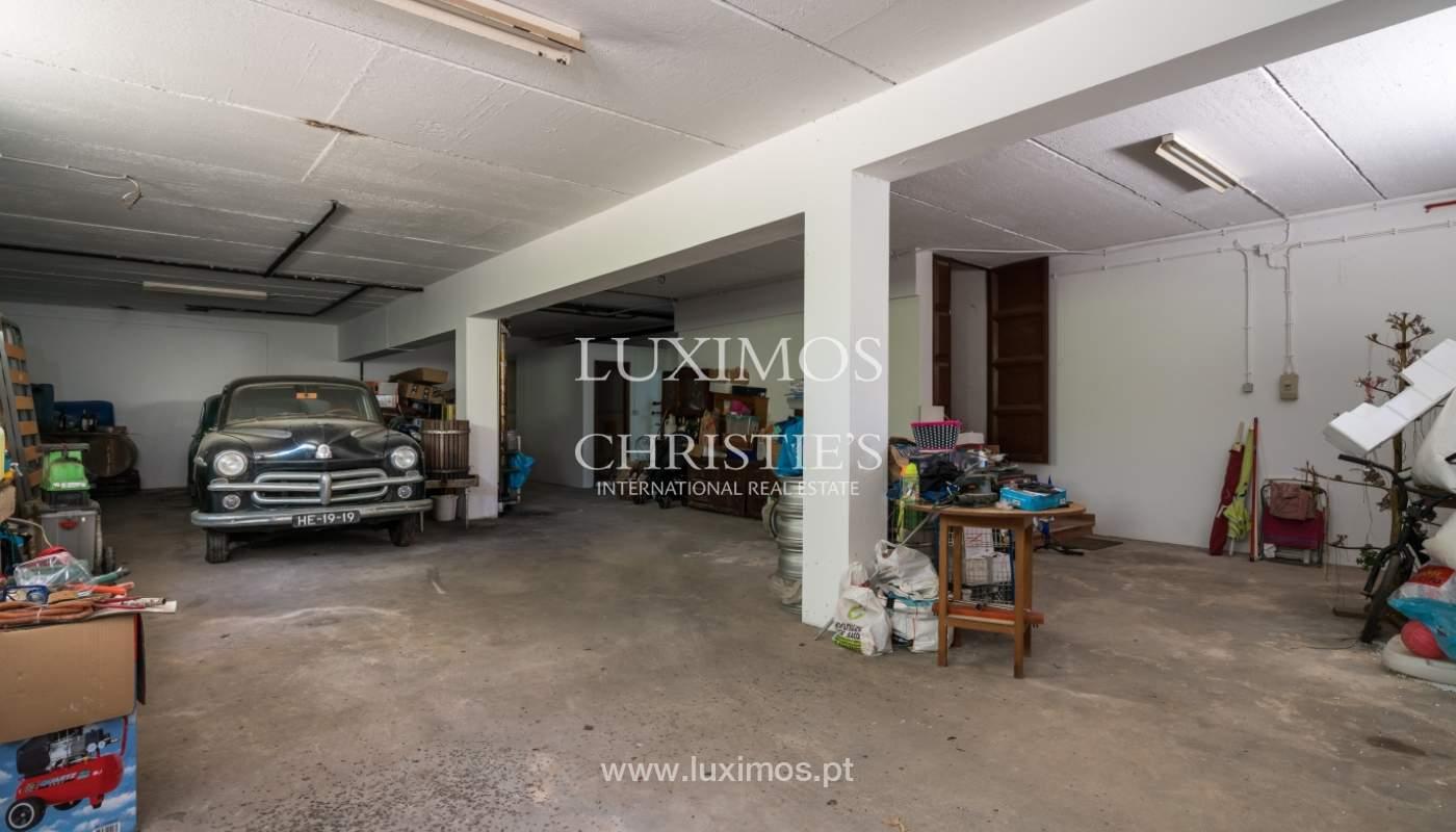 Moradia V4 com terreno e piscina interior, para venda, em Albufeira_143776