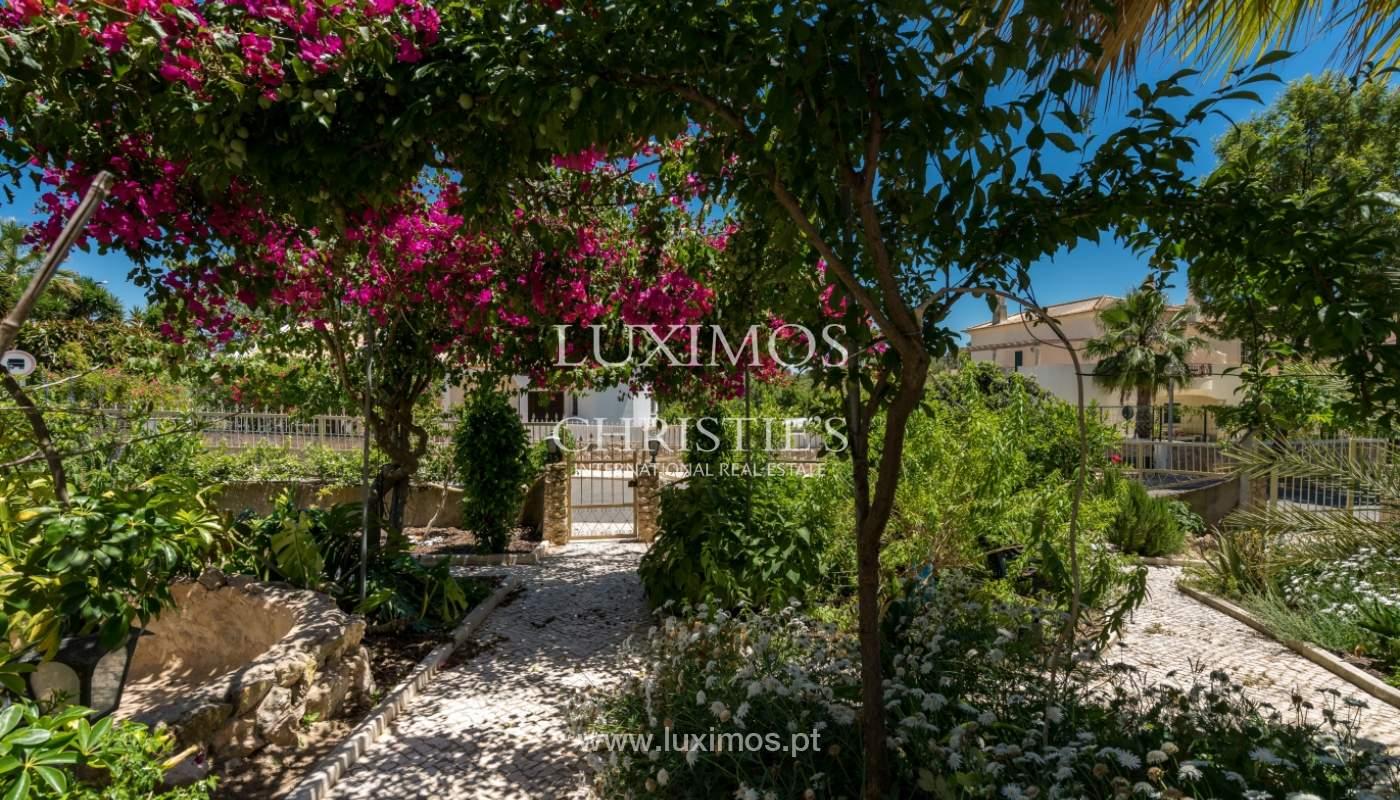 Moradia V4 com terreno e piscina interior, para venda, em Albufeira_143777