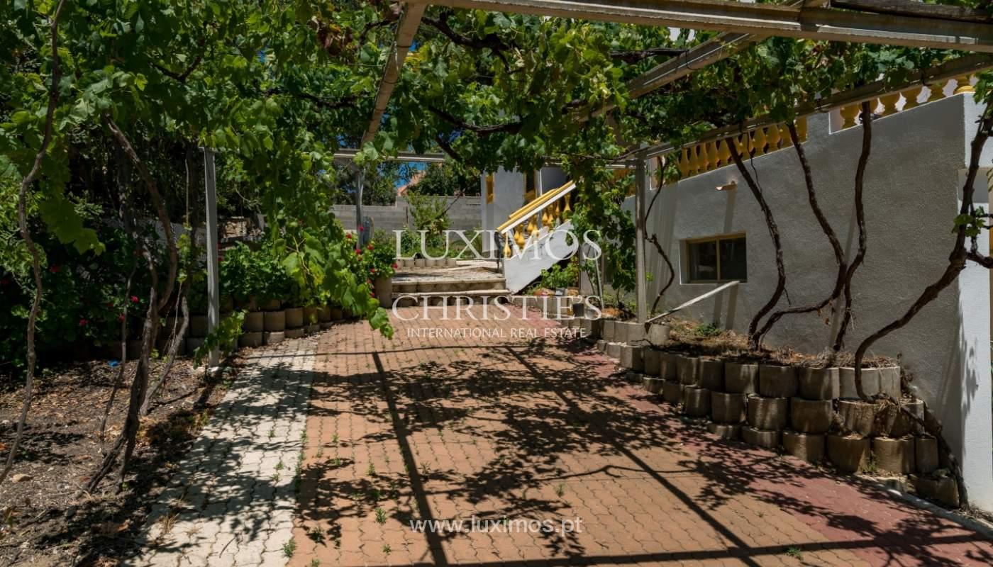 Moradia V4 com terreno e piscina interior, para venda, em Albufeira_143781