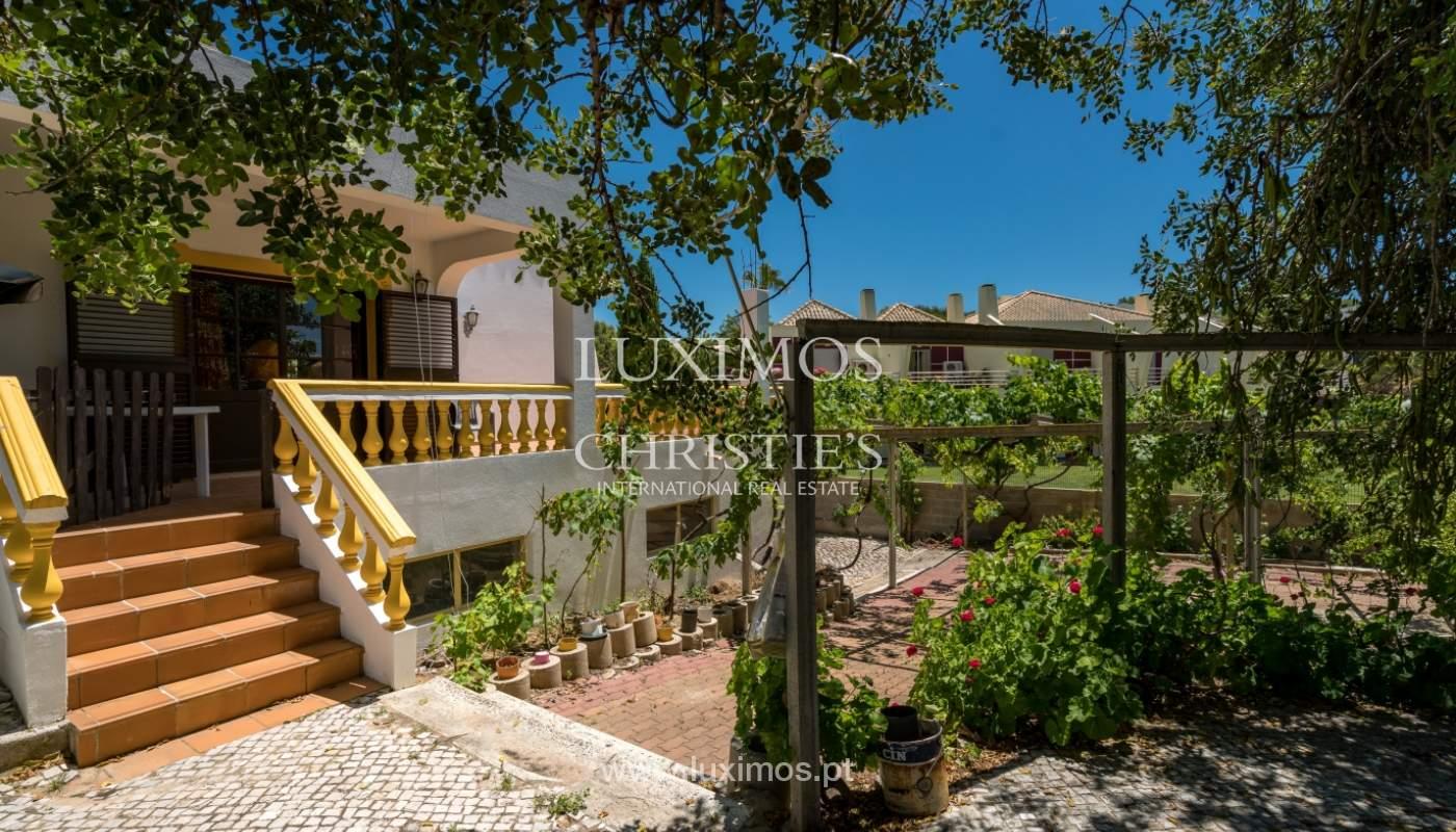 Moradia V4 com terreno e piscina interior, para venda, em Albufeira_143782