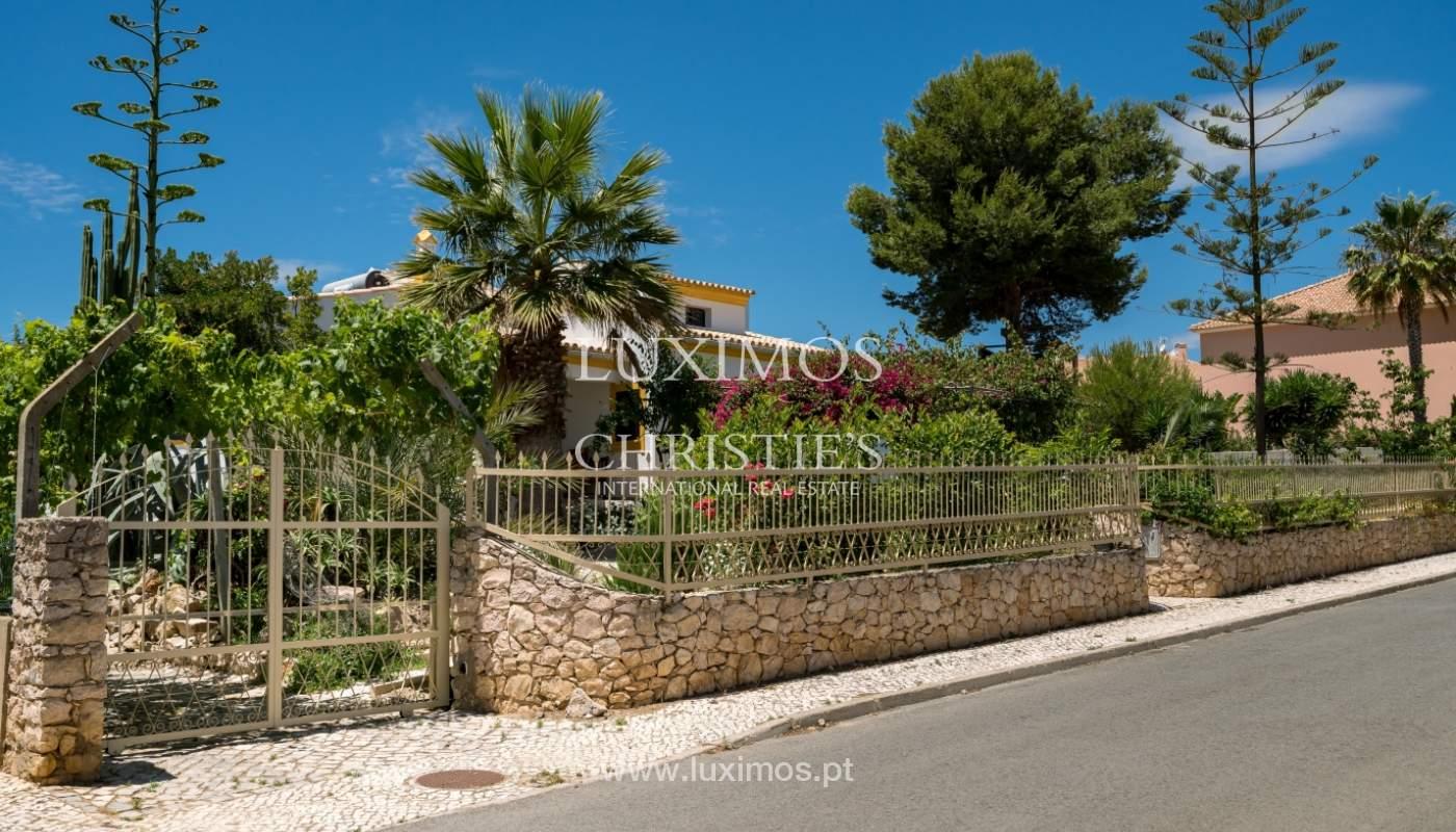 Moradia V4 com terreno e piscina interior, para venda, em Albufeira_143789