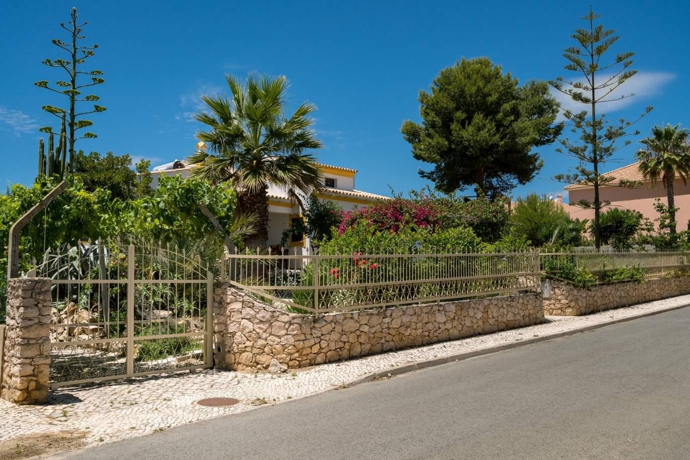 4-bedroom-villa-with-plot-of-land-sale-albufeira-algarve-portugal