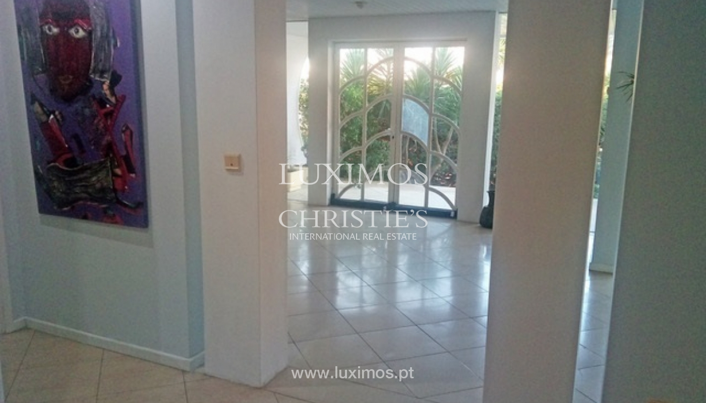 Sale of villa with garden and pool, by sea, in Porto, Portugal_143894