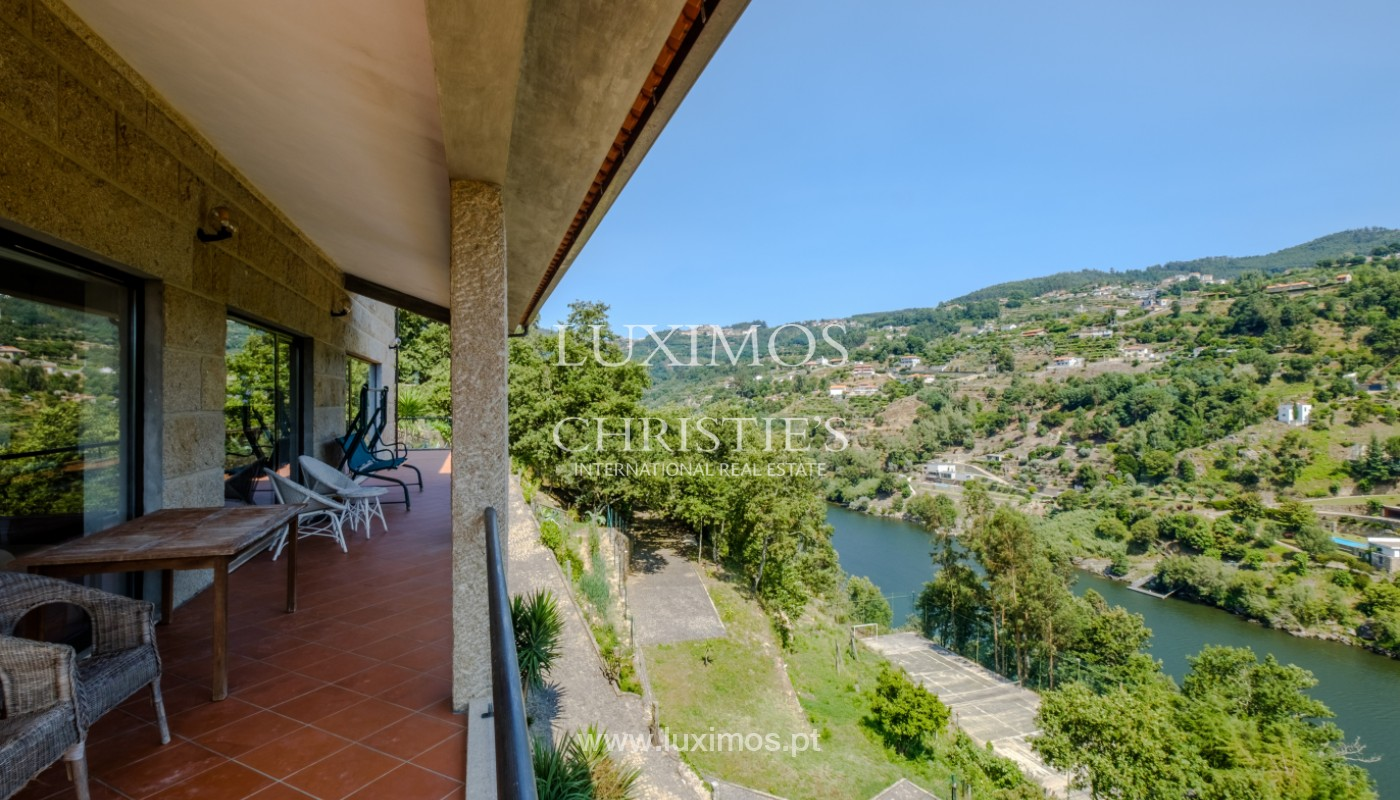 Farm overlooking the Douro River, for sale, at Cinfães, Portugal_144031