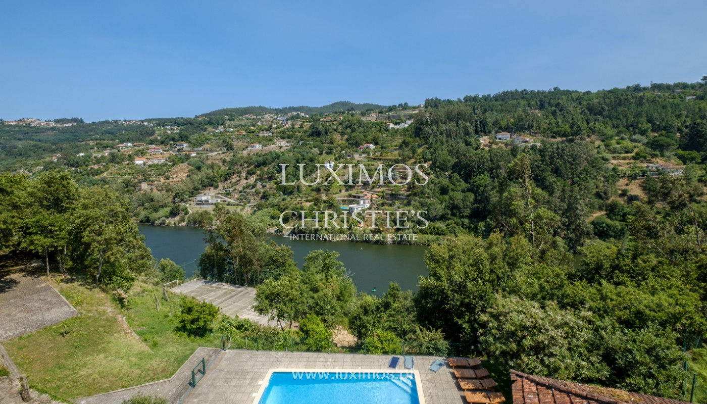 Farm overlooking the Douro River, for sale, at Cinfães, Portugal_144034