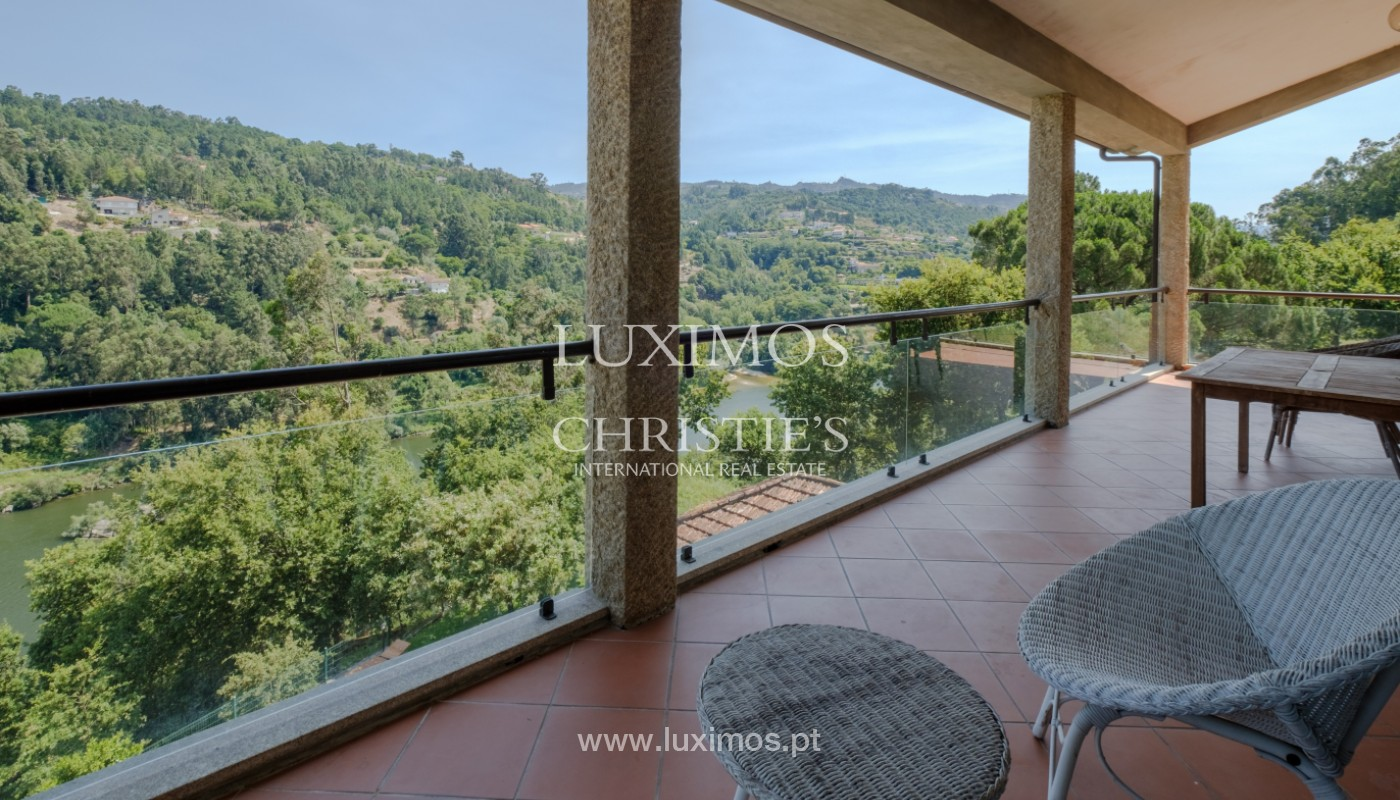 Farm overlooking the Douro River, for sale, at Cinfães, Portugal_144035