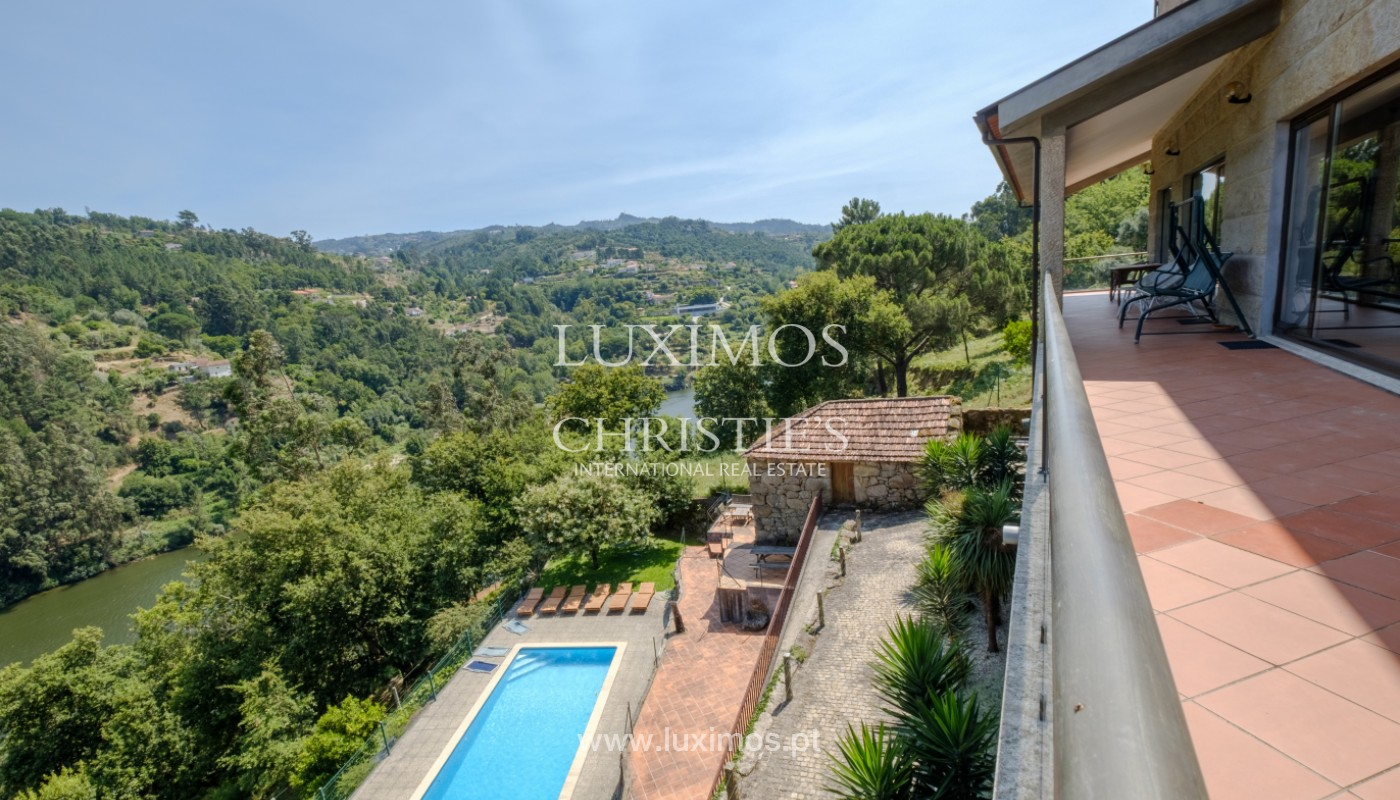 Farm overlooking the Douro River, for sale, at Cinfães, Portugal_144043
