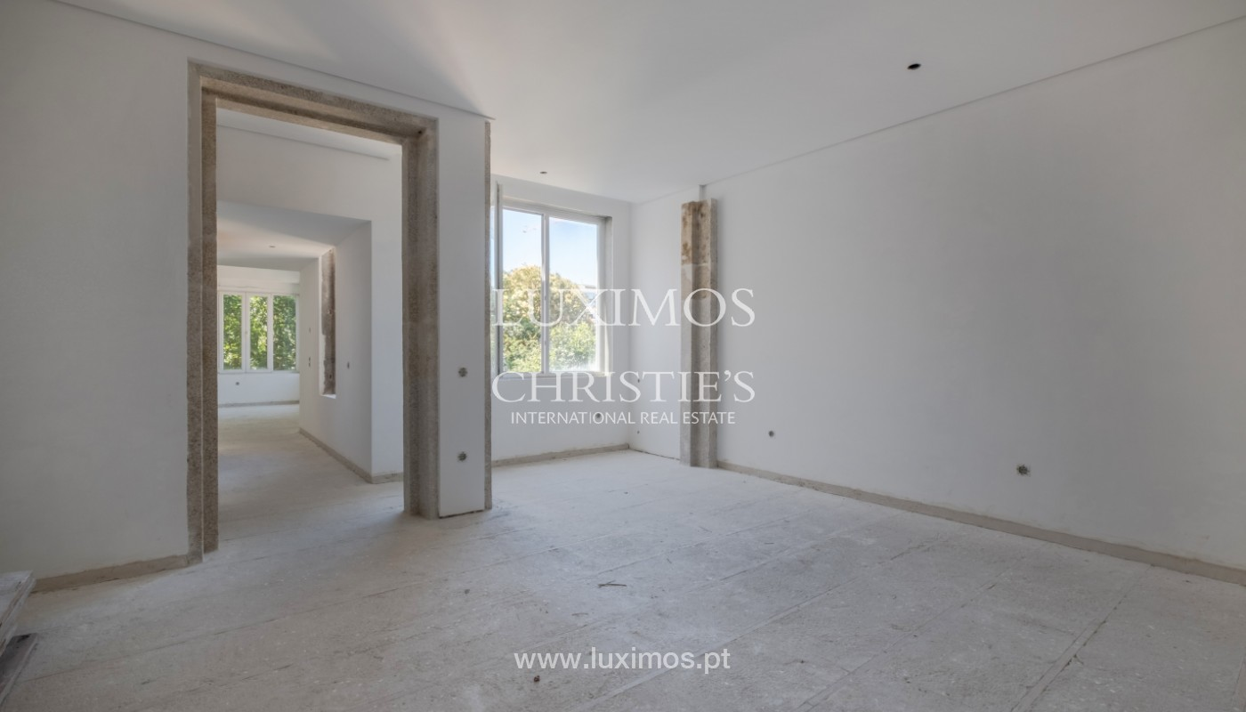 Remodel house, for sale, in the center of Porto, Portugal_144807